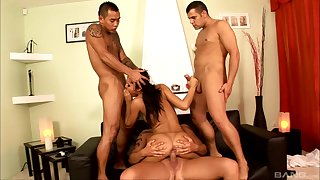 Group hardcore in severe scenes for Zuleidy Lapiedra