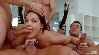 Four handsome studs realize amazing blowjobs from floosie Dolly Diore