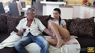 Whorish coed Erica seduces granddad be useful to her best girlfriend